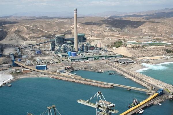 Puerto de Almería baja un 52% el tránsito de mercancías hasta febrero