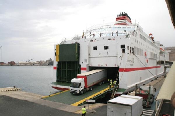 Puerto de Almería hace preparativos para la OPE