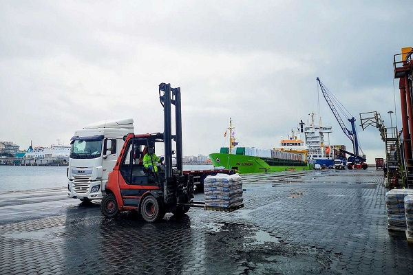 Puerto de Almería supera tráfico de 70 buques y ferries en marzo