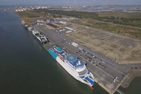 Puerto de Huelva suministrará bonificaciones, aplazamientos de pagos y reducciones de tasas
