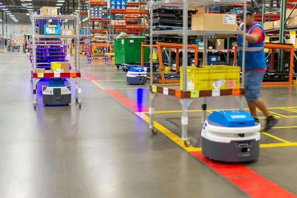 Fetch Robotics y Locus Robotics se alían para incorporar robots móviles autónomos en almacenes
