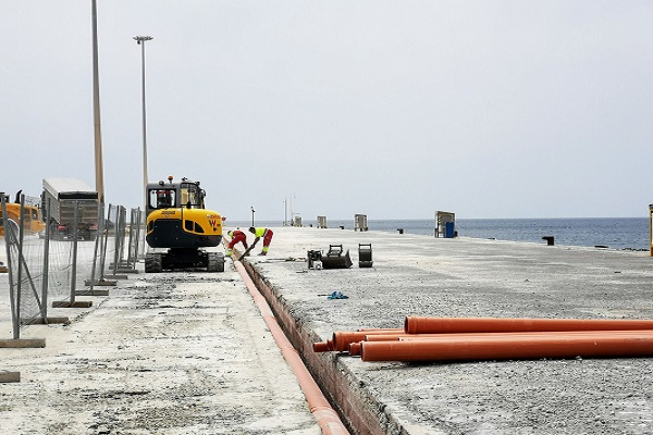Puerto de Almería reanuda la ordenación de las explanadas de la zona Piscina