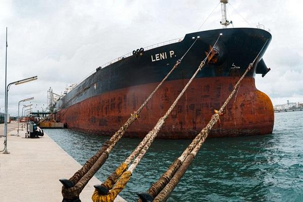 Puerto de Tarragona acoge uno de los buques más grandes de su historia