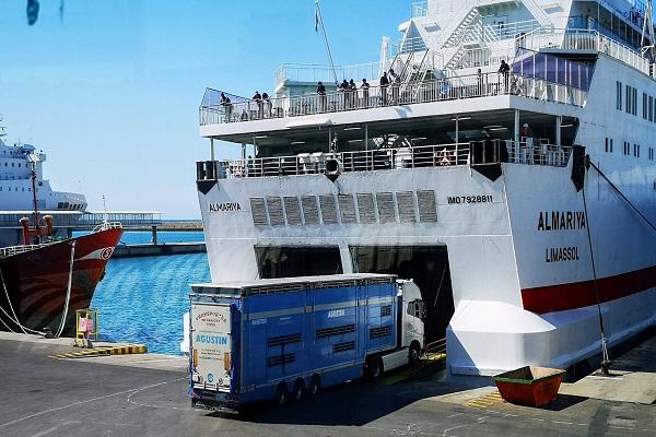 El puerto de Almería instalará nuevo aparcamiento para camiones de tráfico ro-ro