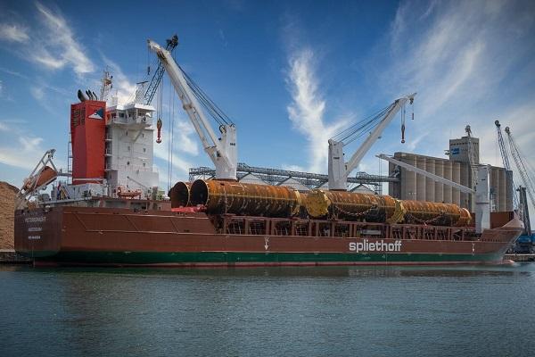 El puerto de Tarragona realiza nueva operativa de project cargo