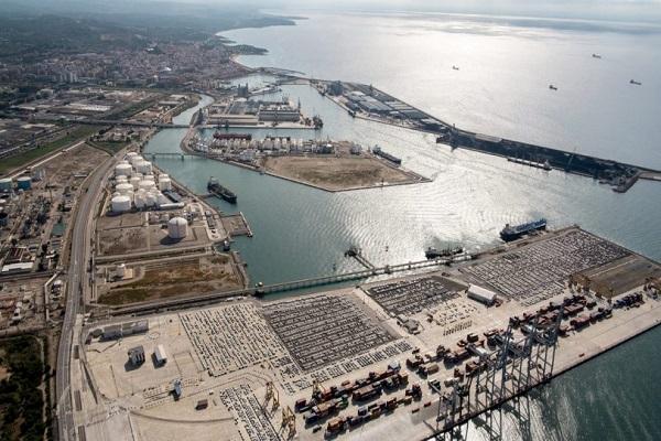 El puerto de Tarragona trabaja para disminuir las emisiones contaminantes