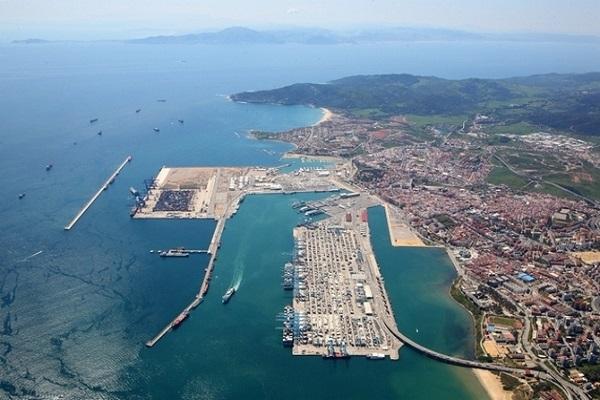 El puerto de Valencia presenta sus planes para eliminar emisiones contaminantes