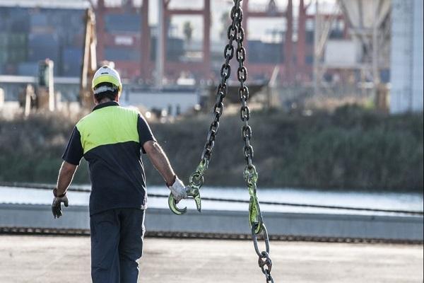Puerto de Huelva reinicia las actuaciones de contratación suspendidas