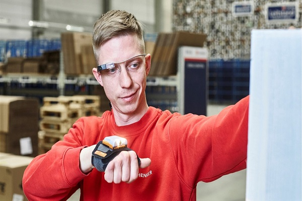 DB Schenker integra gafas inteligentes en las actividades de smart picking