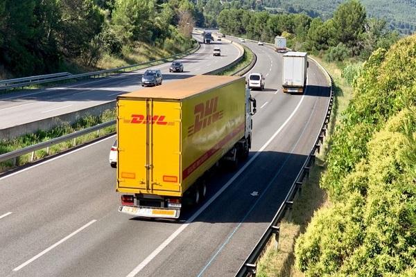 DHL presenta nuevo servicio de transporte para envíos en Europa