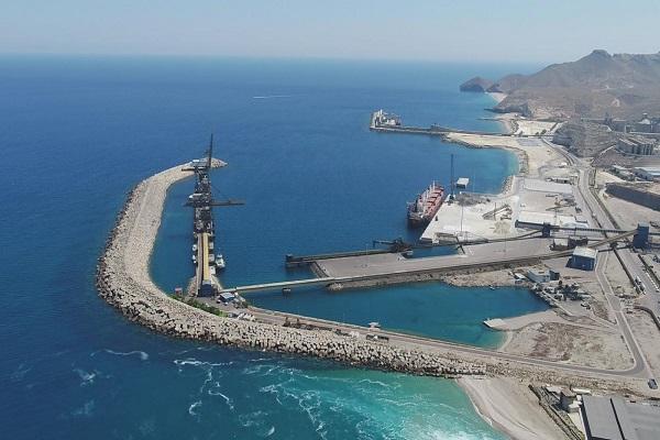 El puerto de Almería acondicionará varios muelles para el suministro de GNL
