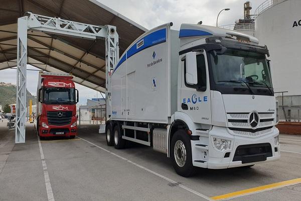 El puerto de Barcelona mejora la operativa import-export con nuevo escáner de contenedores