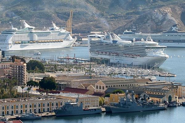 El puerto de Cartagena establece un plan de inversiones para impulsar la economía