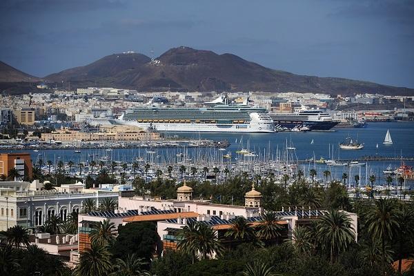 El puerto de Las Palmas arreglará los deterioros viales de sus accesos