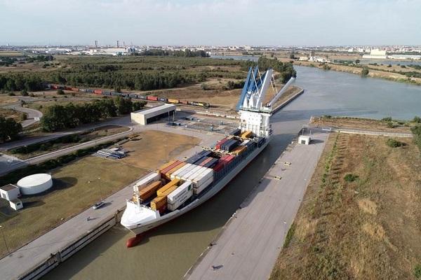 El puerto de Sevilla mejorará la travesía por la Eurovía del Guadalquivir