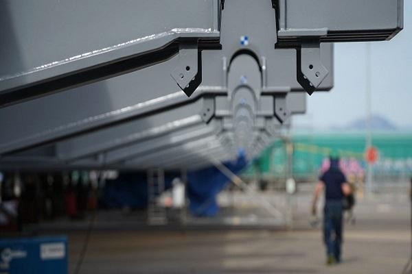 El puerto de Tarragona adelanta un mes el tiempo de montaje del synchrolift