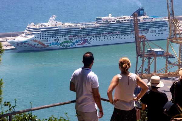 España mantiene cerrado el tráfico de cruceros hasta que acabe la crisis sanitaria