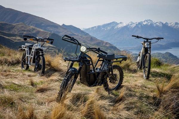UBCO 2x2 moto eléctrica militar