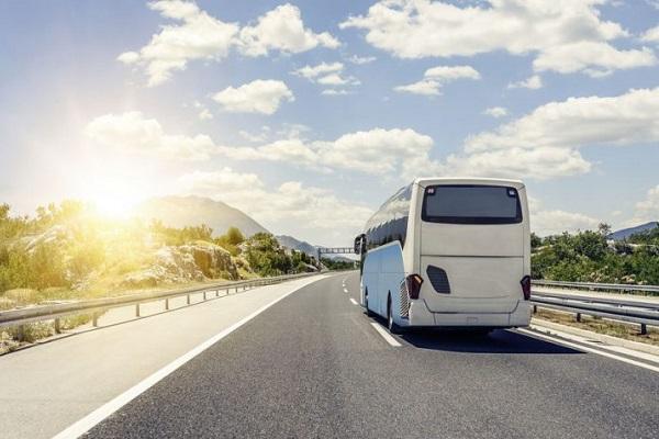 Autocar carretera seguridad