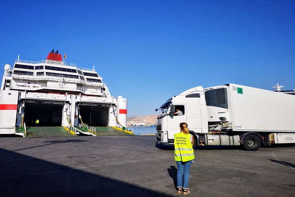 El puerto de Almería soluciona la congestión del tráfico de camiones