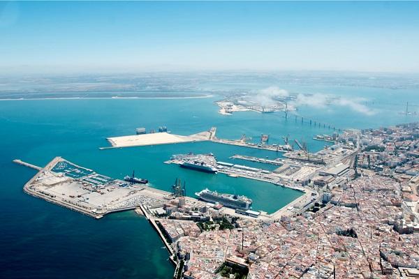 El puerto de Cádiz aumenta un 7% el tráfico portuario hasta julio