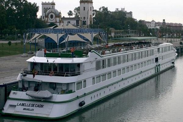 El puerto de Cádiz retoma el tráfico de cruceros con el buque Belle de Cadix