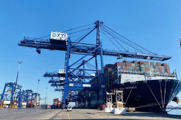 Más de 100 megabuques han pasado por el puerto de Algeciras este año