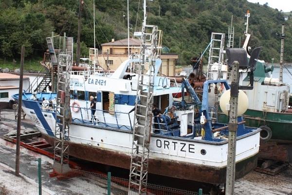 Ortze barco pesquero eléctrico