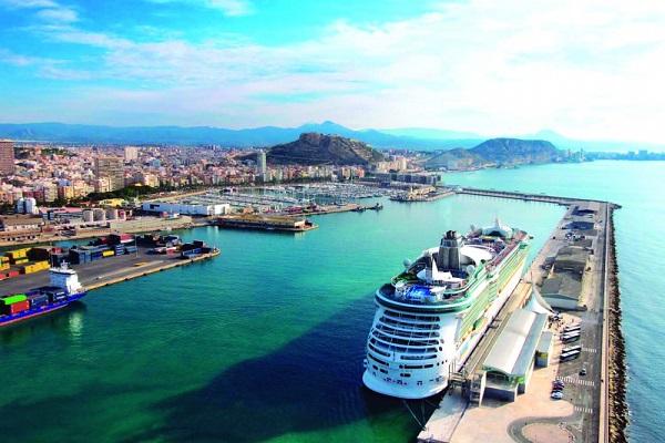 El puerto de Alicante reducirá las tasas de ocupación para afrontar Covid-19