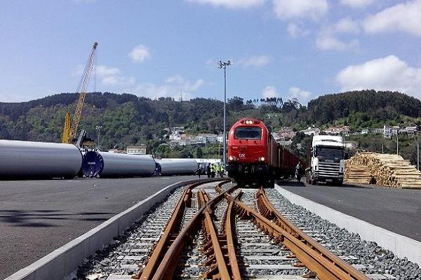 El puerto de Ferrol estudia los posibles riesgos de su red ferroviaria