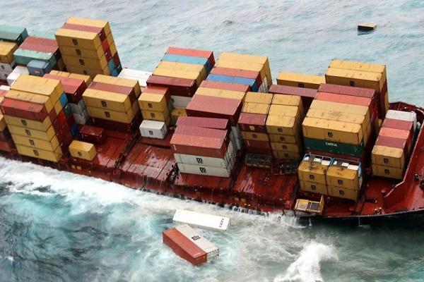 Razones por las que se pierden los contenedores en alta mar