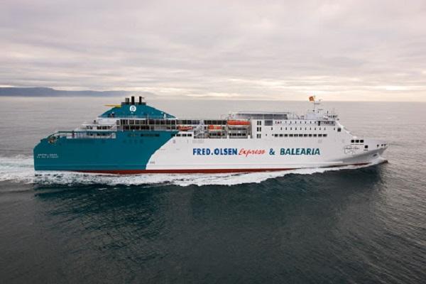 Baleària y Fred Olsen cumplen dos años juntas en la conexión Huelva-Canarias
