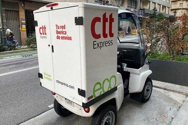 CTT Express añade nuevo cuatriciclo eléctrico para reparto en Vigo