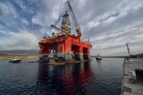 El Puerto de Cartagena acoge la reparación de una plataforma petrolífera