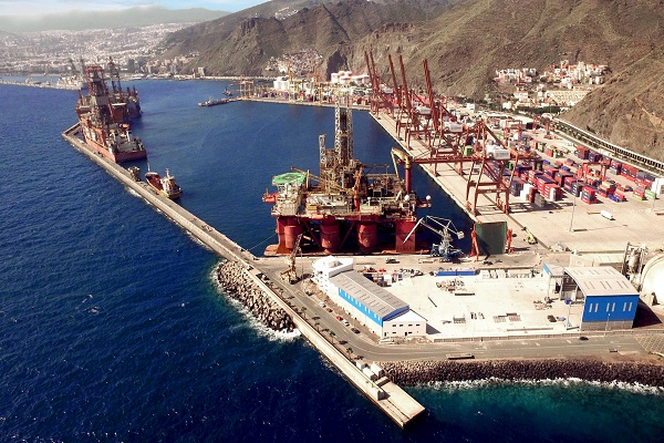 El Puerto de Tenerife recibe el visto bueno ambiental de su dique flotante