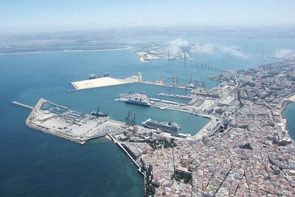 El puerto de Cádiz quiere crear conexiones con Argentina y Uruguay