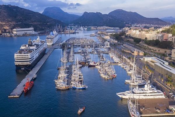 Los puertos españoles reducen un 31% las escalas de buques hasta octubre