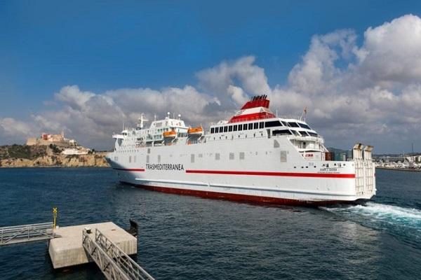 Trasmediterránea y Balearia reducen las escalas en el trayecto Málaga-Melilla