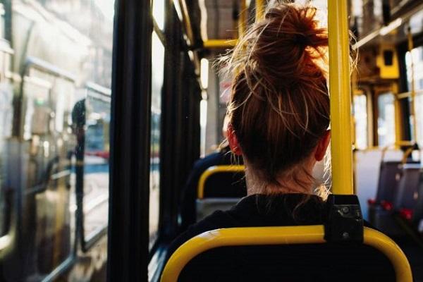 jóvenes transporte sostenible