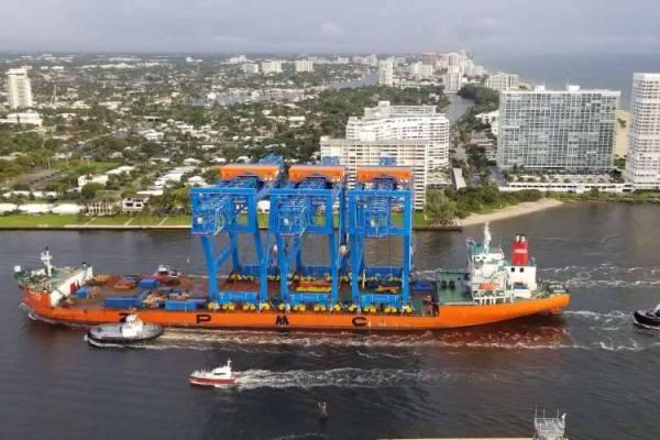 puerto Everglades gruas