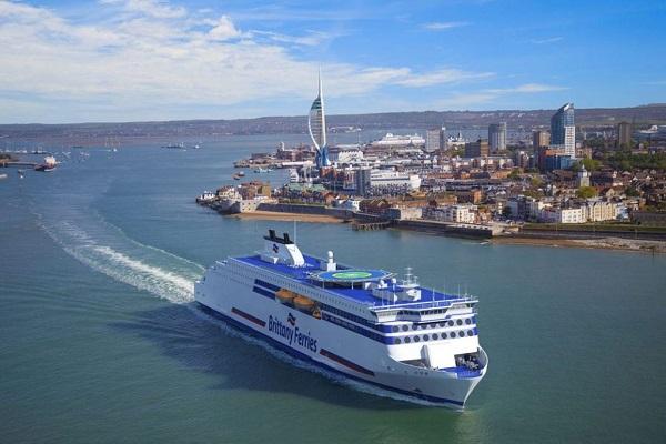 Brittany Ferries seguirá operando entre Santander y Reino Unido