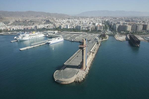 El puerto de Almería otorga la ampliación del Muelle Levante