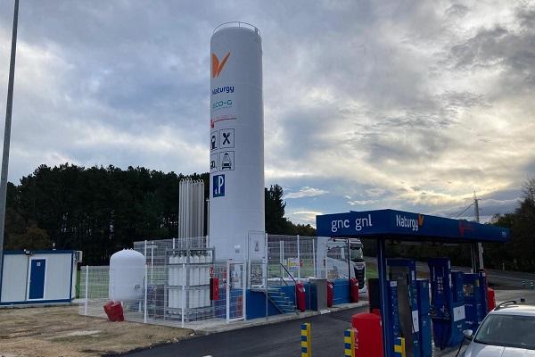Naturgy abre su primera gasinera pública de GNL y GNC en Galicia