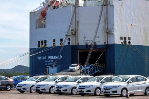 puerto de manzanillo vehiculos