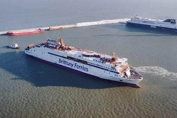 Brittany Ferries bota su nuevo buque Salamanca