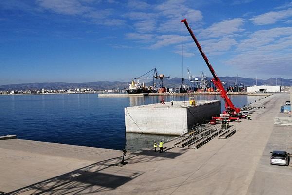 El Puerto de Castellón avanza en las obras de atraque de graneles