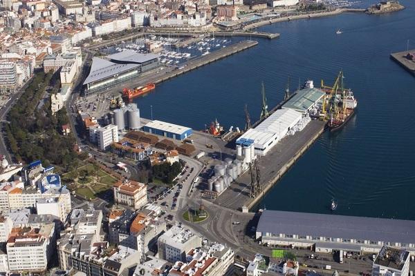 El Puerto de La Coruña analiza cómo gestionará los terrenos del puerto interior