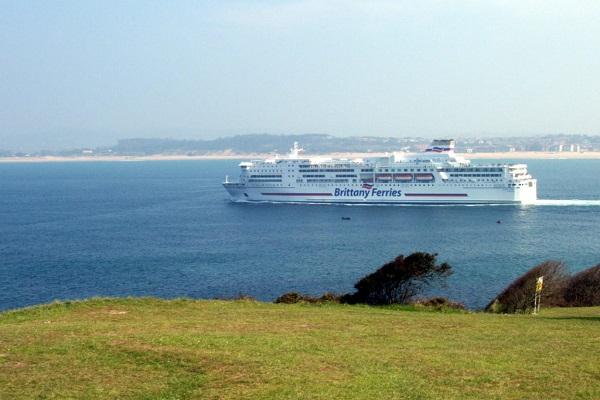Brittany Ferries lanza tres nuevas conexiones de carga entre Irlanda y Francia