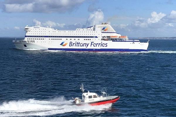 Brittany Ferries no retomará algunas rutas hasta mediados de mayo