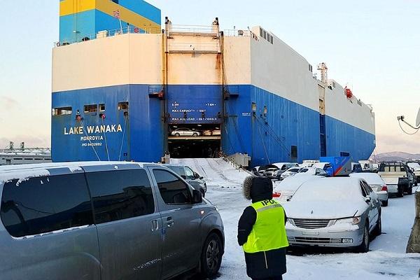 Ceva Logistics carga un buque ro-ro para el transporte de 4.000 vehículos